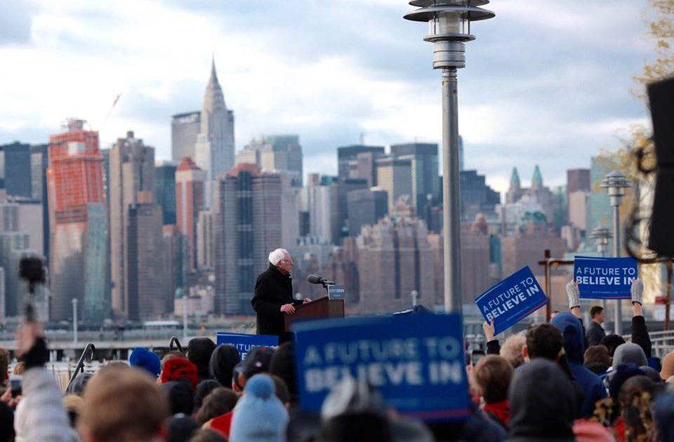 Bernie Sanders e os Estados Unidos em movimento