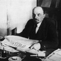 """""""No centenário da revolução russa, ainda podemos aprender muito com ela"""""""