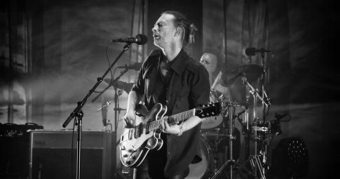 Radiohead tocando no Reino Unido (foto: Aurelien Guichard)