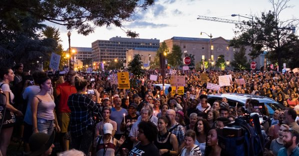 Ato em solidariedade a Charlottesville em Washington, DC. Michael Sessum / Flickr
