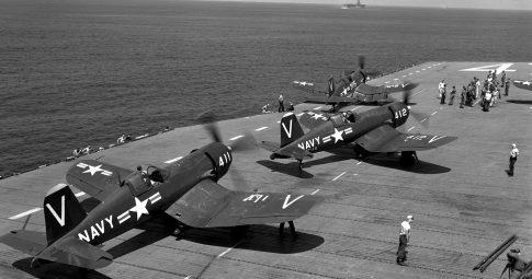 Aviões de combate dos EUA durante a Guerra da Coréia em 1951-1952. Fonte: US Navy / Wikimedia