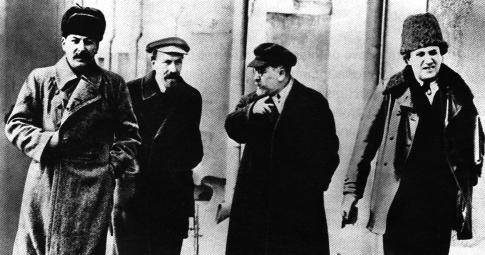 Stalin ao lado de Rykov, Kamanev e Zinoviev em 1925 - Reprodução