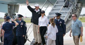 Donald Trump chega à região devastada pelo furacão - Doug Mills / The New York Times