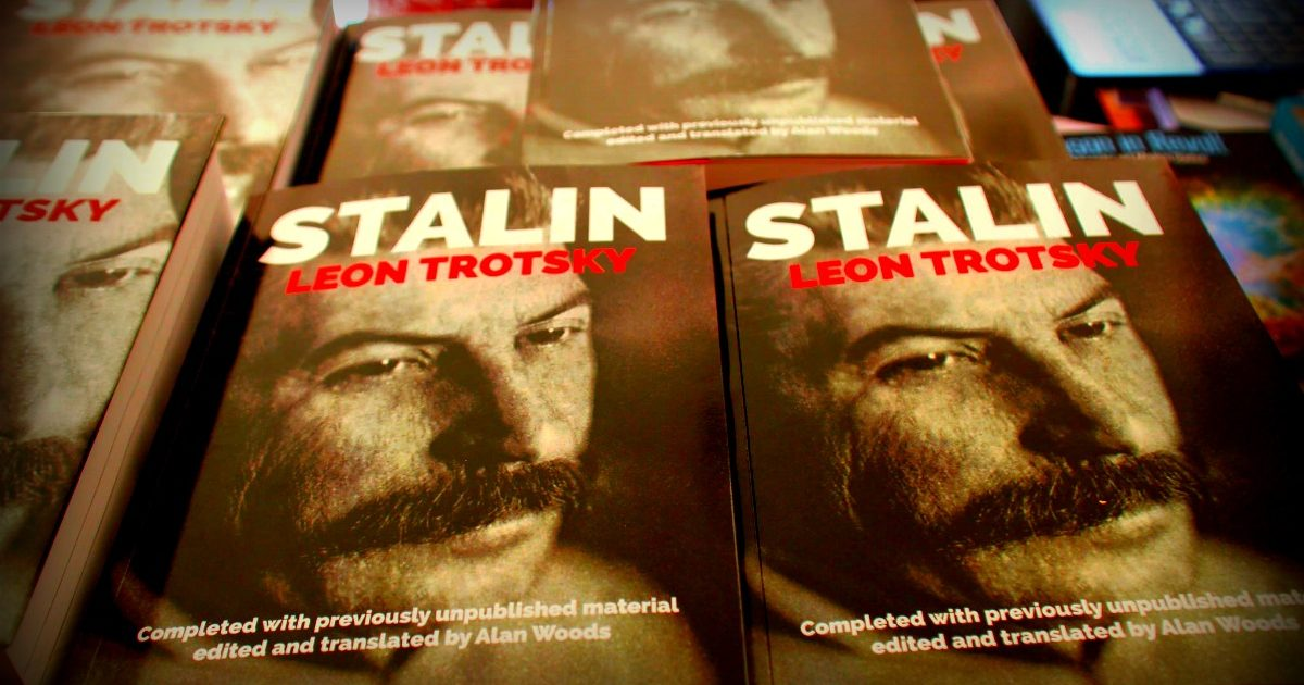 Quer comprar Stalin, de Leon Trotsky, antecipadamente e com desconto?