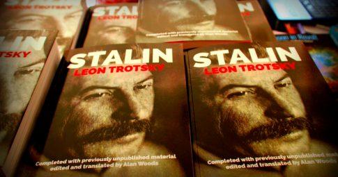 Edição inglesa de Stalin, de Leon Trotsky. Crédito: Socialist Appeal