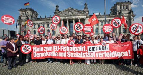 Parlamentares fazem manifestação em frente ao Budestag - Reprodução
