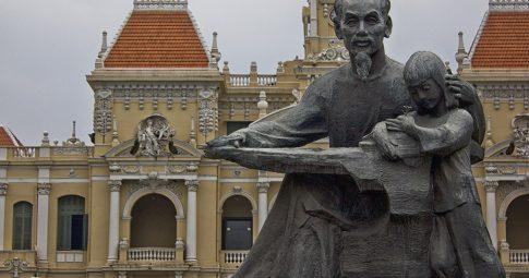 Estátua do líder Ho Chi Minh - Reprodução