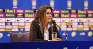 A ex-treinadora da seleção brasileira, Emily Lima - Reprodução