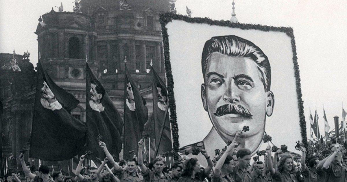 A ascensão de Stalin foi um processo gradual