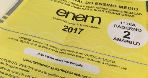 Capa do caderno de provas do primeiro dia do Enem 2017. Foto: Ana Carolina Moreno/G1