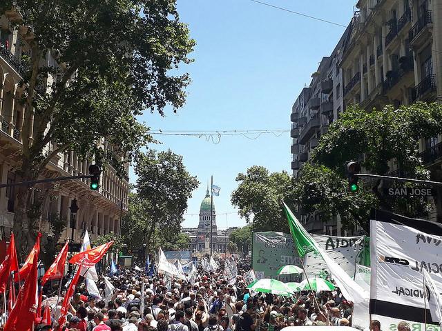 Argentina mostra o caminho: lições de uma vitória a favor da Previdência pública