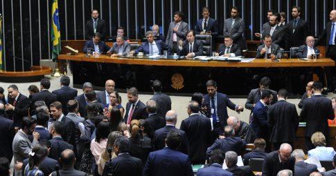 O deputado Rodrigo Maia comanda sessão na Câmara dos Deputados - Luis Macedo / Câmara dos Deputados