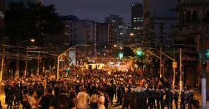 Imagem do primeiro grande ato contra o aumento da passagem em São Paulo - Cmi São Paulo