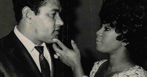 O casal Garrincha e Elza, após show da cantora em Roma, em 1970 - Reprodução