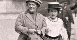 Clara Zetkin, à esquerda, ao lado de Rosa Luxemburgo - Reprodução