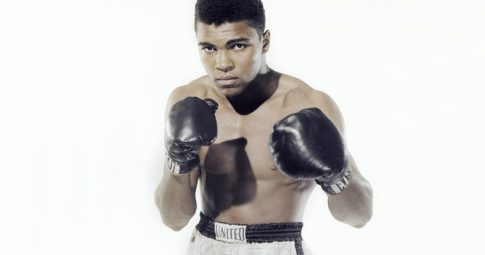 O puglista Muhammad Ali em foto  de 1962 - Stanley Weston/Getty Images