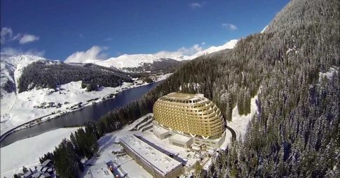 Resort em Davos, sede dos encontros anuais dos milhonários do Fórum Econômico Mundial - Reprodução