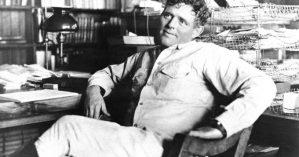 Jack Londo em foto tirada em 1916, meses antes de sua morte - Associated Press