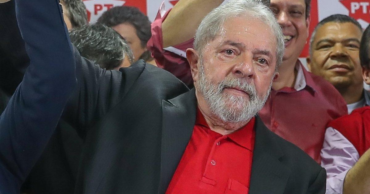 Pelo direito de Lula ser candidato
