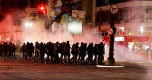 Polícia reprime manifestantes em ato contra aumento tarifa em São Paulo - Reprodução
