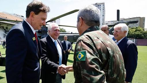 O Rio está sem governo. Quem deve assumir o comando?