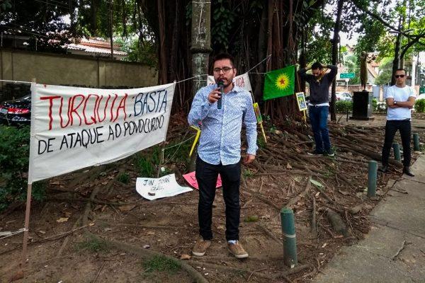 Ato em São Paulo presta solidariedade ao povo curdo