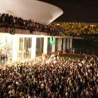 A falência da Nova República e os desafios do PSOL