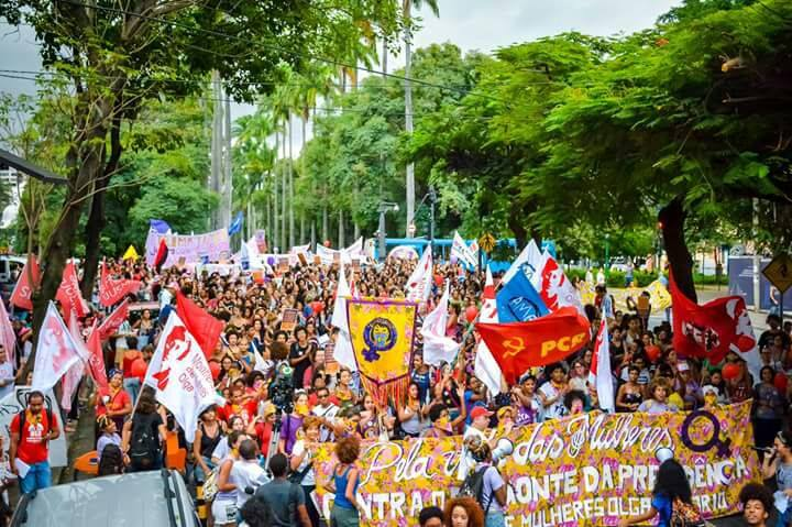 No Brasil e no mundo, construir um 8M dos 99%