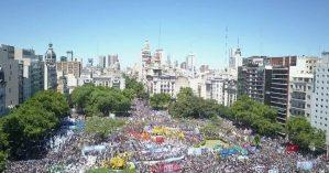 Povo argentino se mobilzou contra os ataques do governo - Fernando Cerrone