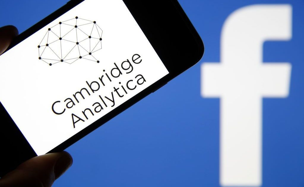 O escândalo da Cambridge Analytica e os dados pessoais