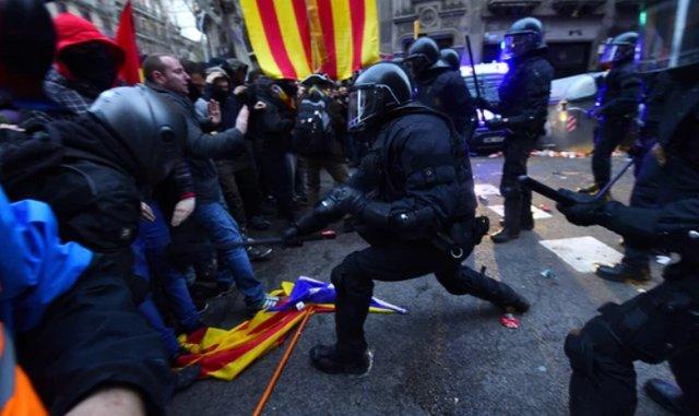 Estado de exceção disfarçado na Catalunha: dupla catarse sobre o regime de 78