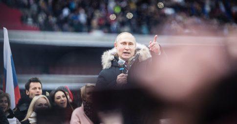 O presidente Vladimir Putin em comício no estádio Luzhniki este ano - Reprodução