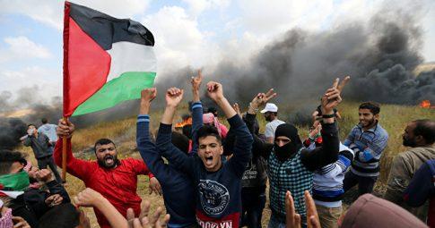 PALESTINOS SÃO ATACADOS POR FORÇAS ISRAELENSES NA ÚLTIMA SEXTA-FEIRA - IBRAHEEM ABU MUSTAFA / Reuters