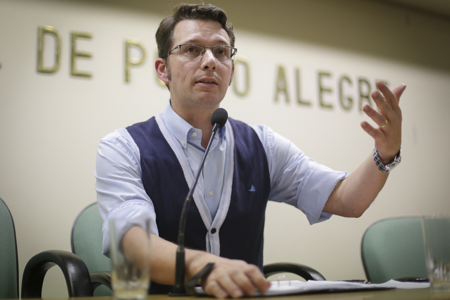 Escolas municipais de Porto Alegre: um inventário do caos
