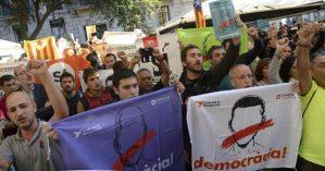 Manifestantes protestam contra a prisão de ativistas na Catalinha - AFP