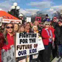 Maré vermelha pela educação nos EUA