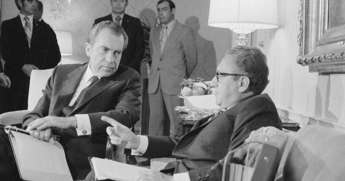 A teoria do louco: Nixon, Trump e Bolton
