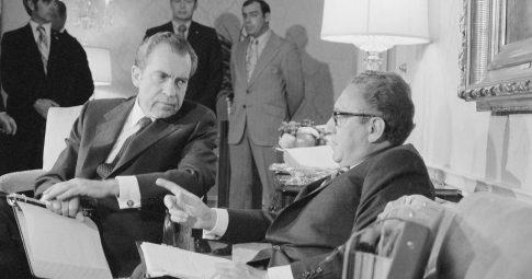 Henry Kissinger e Richard Nixon. Reprodução