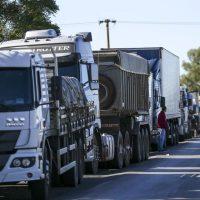 Todo apoio aos caminhoneiros em greve