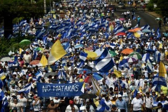A mobilização da juventude  e o movimento popular põem  Daniel Ortega contra as cordas