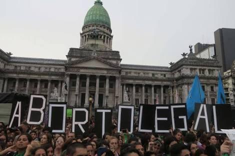 Maré verde na Argentina: #abortolegalya