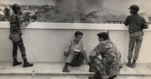 Repórter presencia batalha durante guerra no Vietnã em Maio de 1968 - Bill Snead/UPI