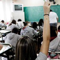 O fim da escola pública no Brasil avança a passos largos