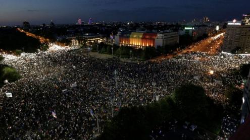 Mais de 450 feridos em manifestação contra governo da Romênia