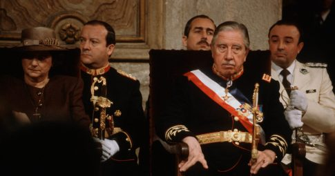 O general Augusto Pinochet, em 1988 - Susan Meiselas/Magnum Photos