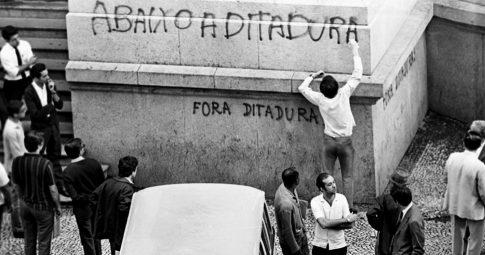 abaixo-a-ditadura-capa
