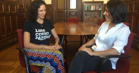 Joana Mortágua entrevista Mônica Benício em Lisboa