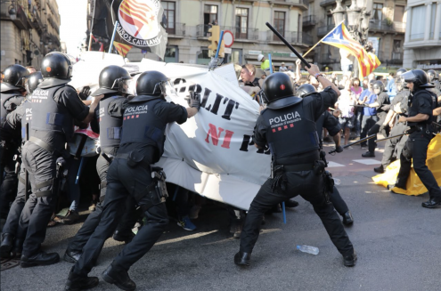 Milhares de pessoas manifestam-se nas ruas de Barcelona