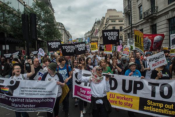 Enquanto o caos do Brexit continua — aproveite a chance para derrubar os conservadores