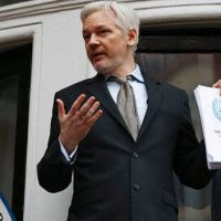 Julian Assange encurralado